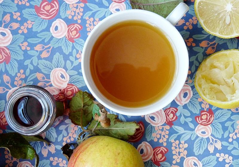 Gesichtstoner mit Apfelessig grünem tee und Zitronensaft