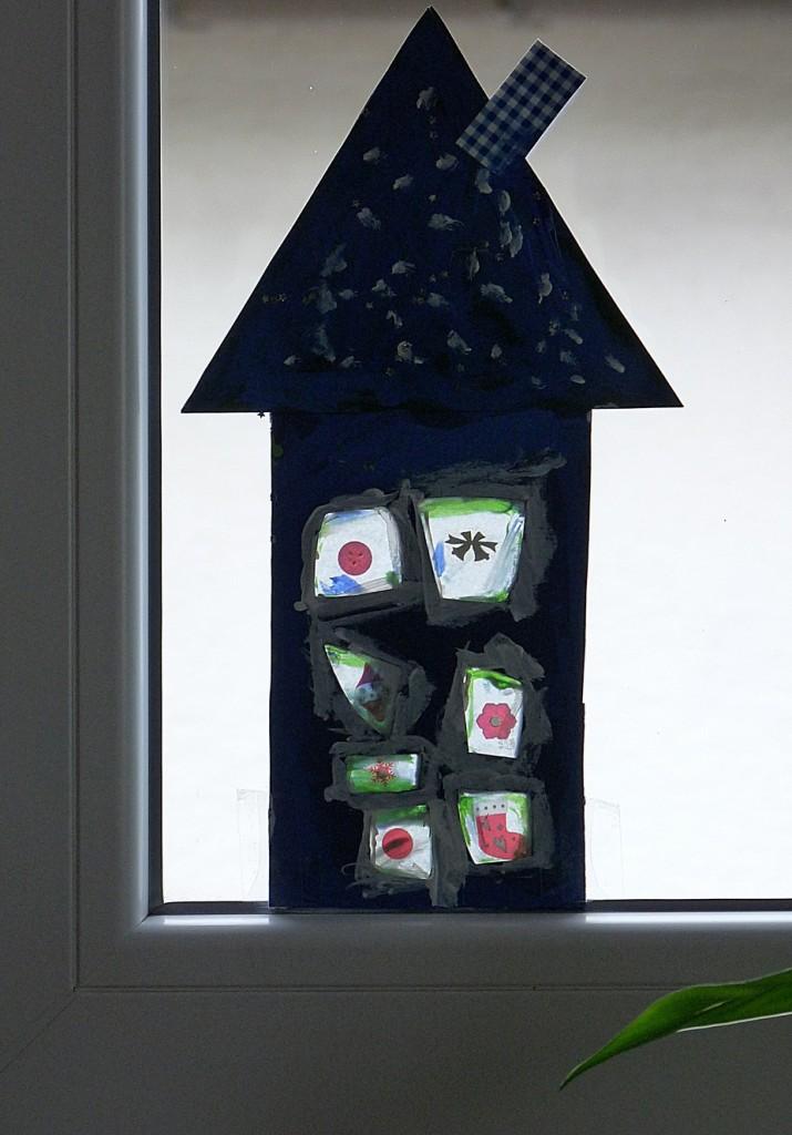 Haus aus Tonpapier