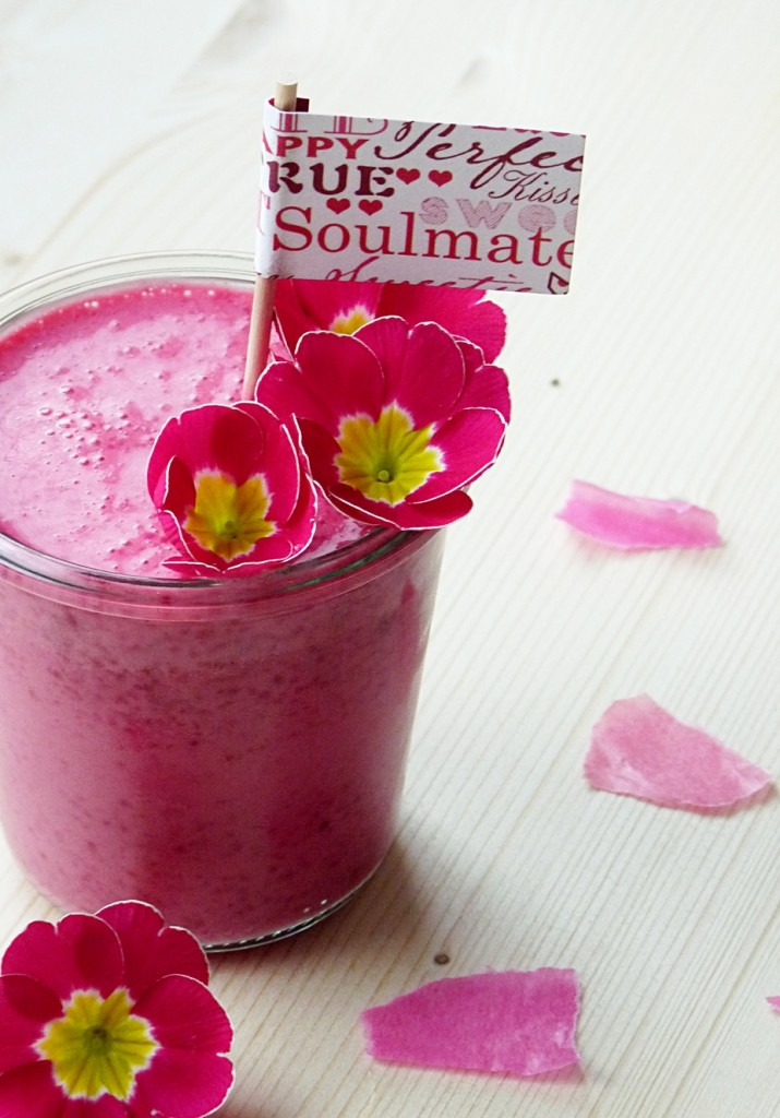 Pinker Smoothie mit Rote Bete